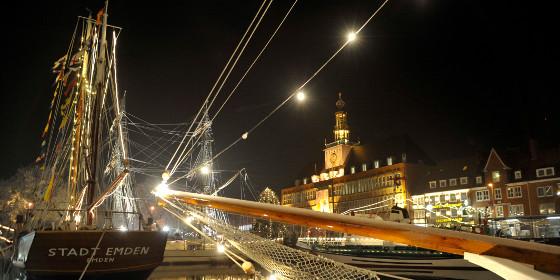 http://wlk-ems.com/crm/service/rdc?rtg=http://www.germany.travel/en/specials/christmas/emden-engelke-markt.html&bpid=2104812631&mid=2100610529&nlid=2126199633&lid=22&chk=9iZePVihPF&ganame=Pitch+-+Unusual+Christmas+Markets