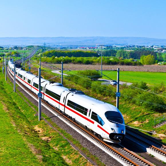 Deutsche Bahn ICE © Trainline