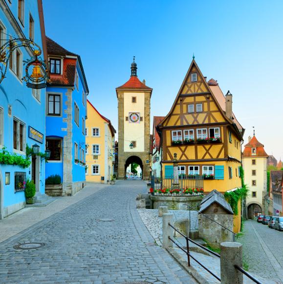 Rothenburg ob der Tauber: junction of Kobolzeller Steige and Spitalgasse at the Plönlein