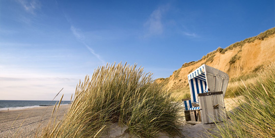 Sylt Island/Nordsee: wicker beach chairs in Kampen