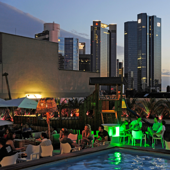 Frankfurt/ Main: Long Island Summer Lounge, Skyline