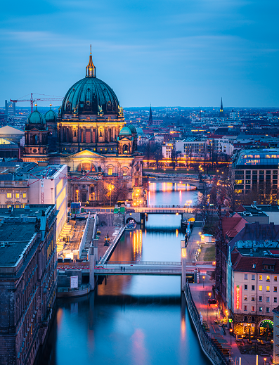 Berlin: Berlin Cathedral in the evening