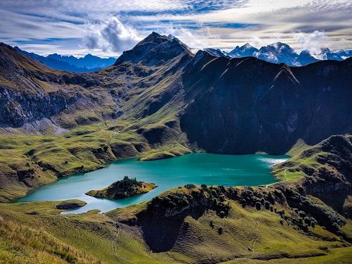 Bad Hindelang: Mountains around Lake Schreck