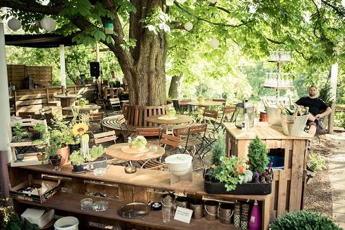 Erfurt: Garden in the Bachstelze restaurant, regional, sustainable, organic, Maria Groß