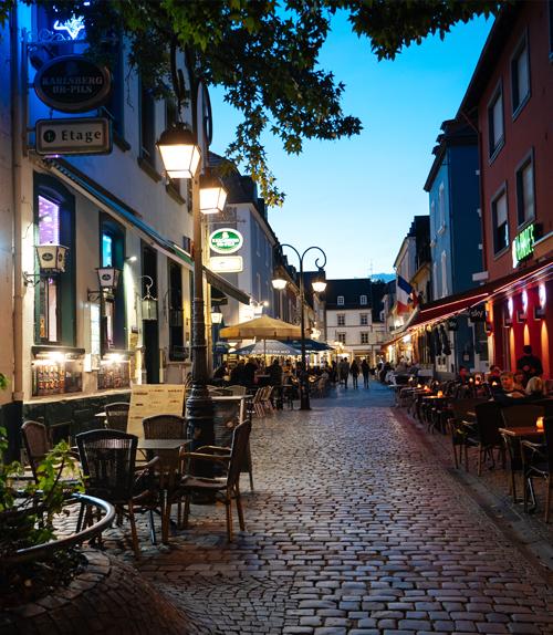 Tourisme : des idées pour voyager en Allemagne Saarlouis_Saarlouiser_Altstadt_bei_Nacht